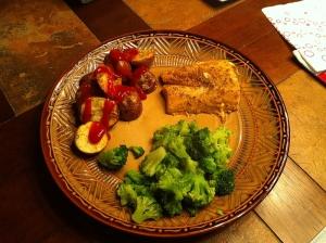 Oven baked mahi mahi, red potatoes and broccoli - 317 calories.