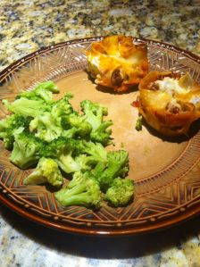 Lasagna cups & broccoli. Yumm! 429 calories.
